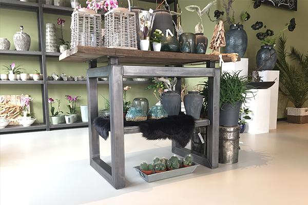 Metalen meubel bloemenzaak
