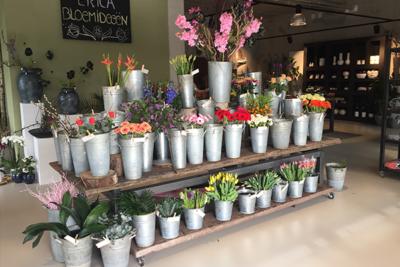 Cortenstaal tafel bloemenzaak